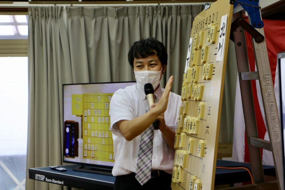 西川六段による軽妙な解説に会場もわきました